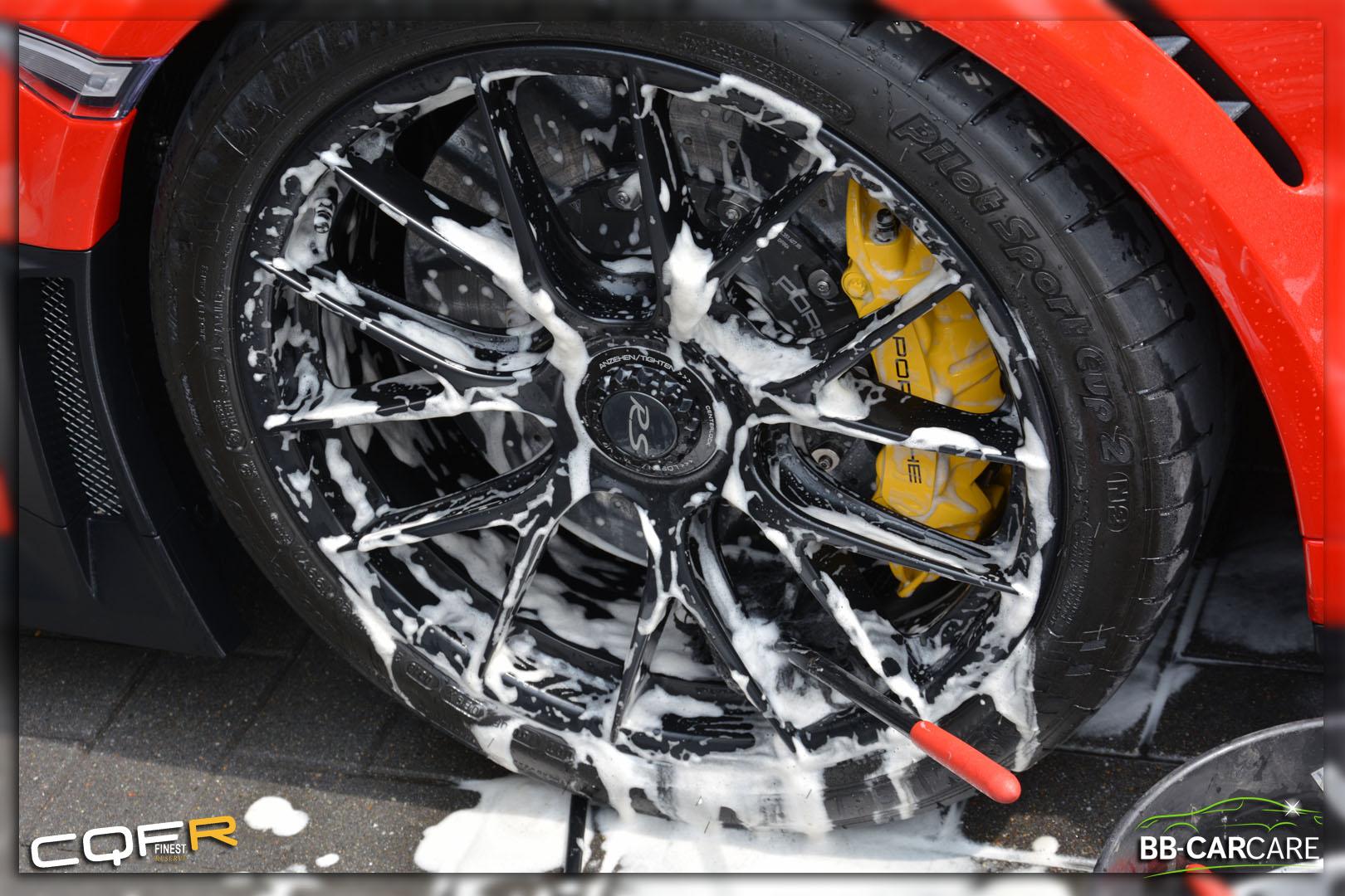 wheel woolies velgen poetsen
